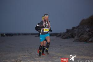 participant à la course trail des 2 baies